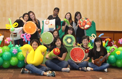 Siew Hong and Wheelock Students