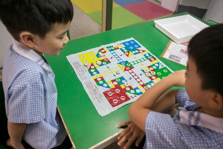 Play complex games with number concepts