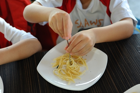 Play with pasta!